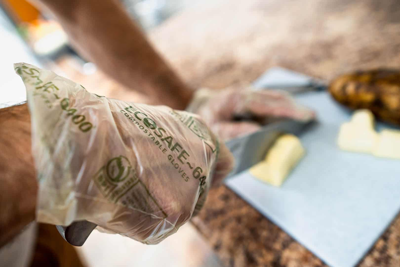 Ecosafe Green   Zero waste - chopping food on a cutting board